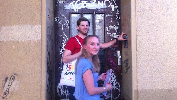 Tür zu tür  So sieht Tür zu Tür - Wahlkampf in Berlin aus - SPD Ortsverein Bautzen